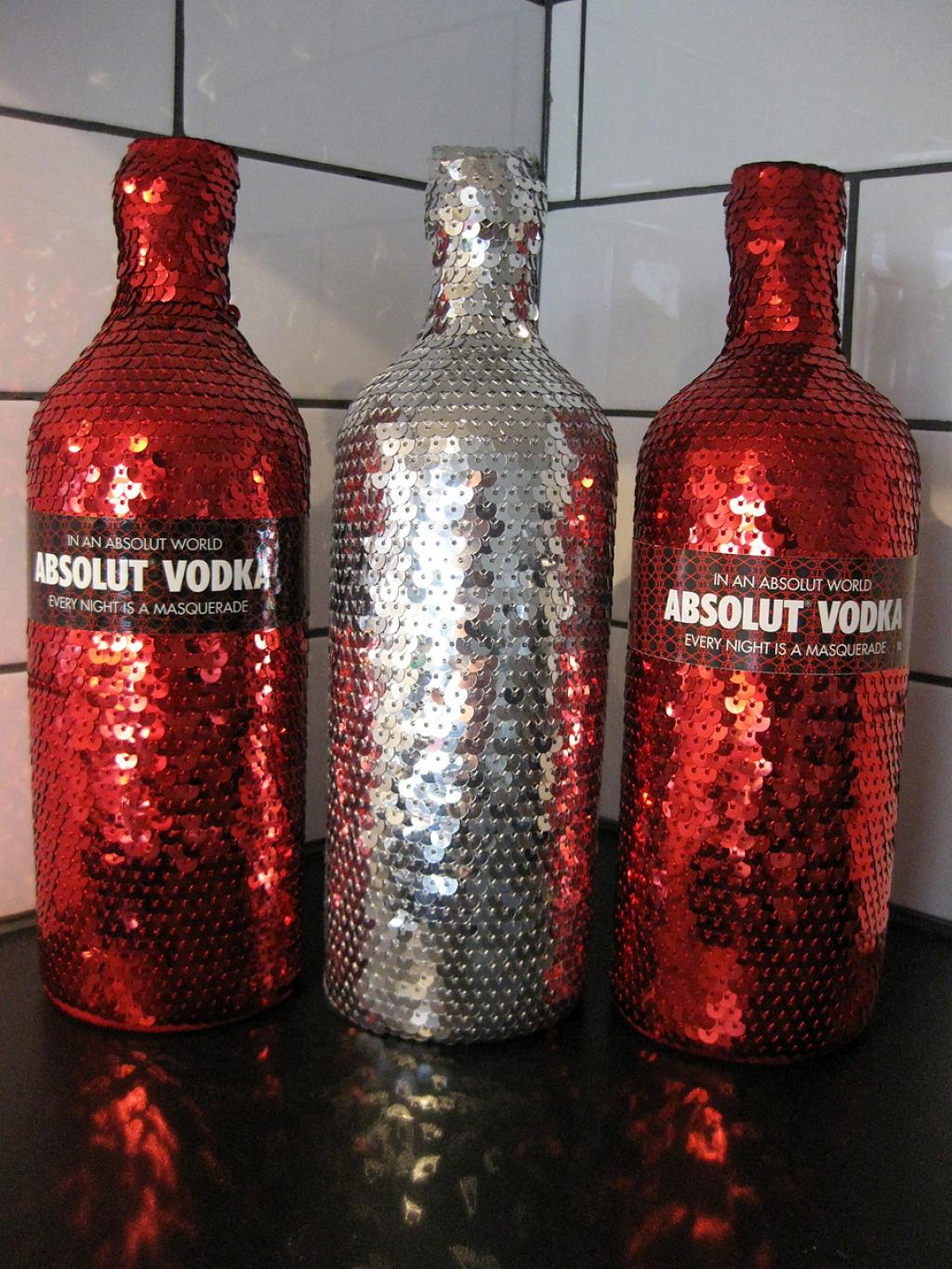 bottle<em>coat</em>absolut.jpg